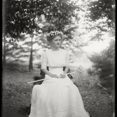 May Queen 1910 Miss More