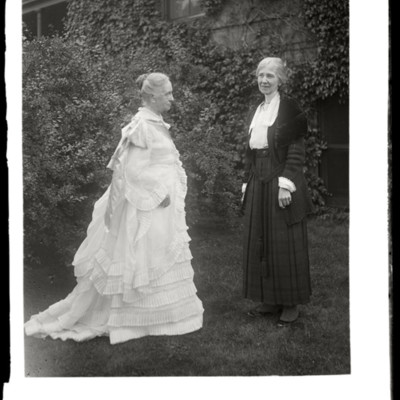 Commencement 1922: Miss Hartshorn left, Miss Harriest Mowry or Miss Randolph right